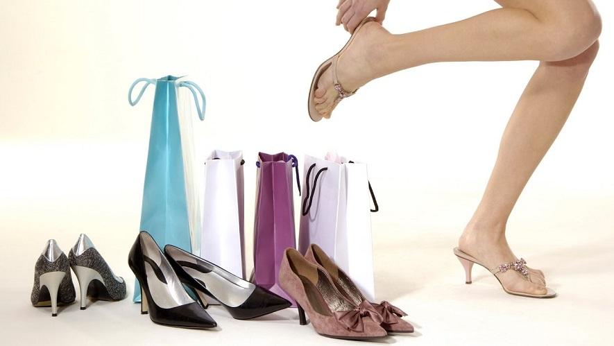 Как почистить замшевую обувь: советы и рекомендации