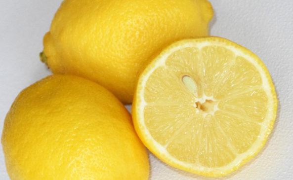 Отмыть зеленку лимоном