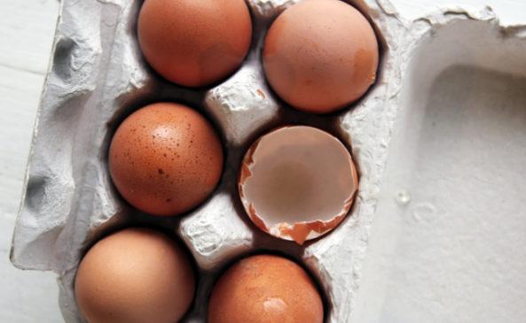 Маска из куриных яиц