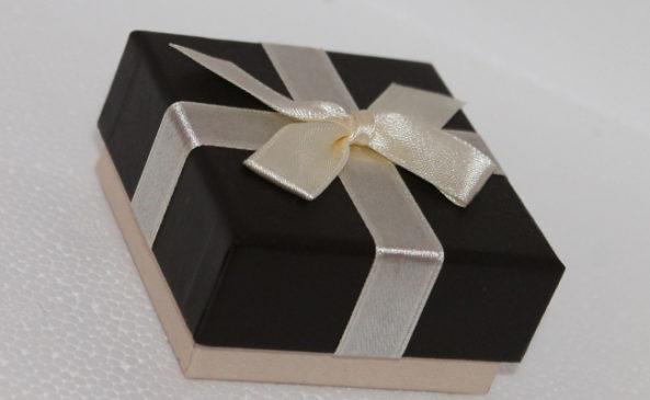 Коробка с намёком