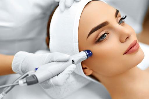 Как очистить кожу лица? Виды пилингов
